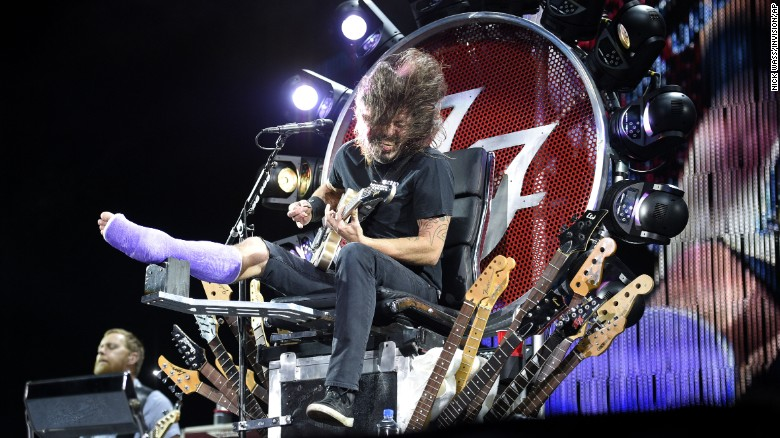 dave-grohl-on-throne-exlarge-169
